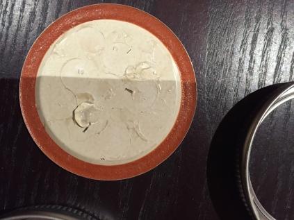 Dab glue on the lid.